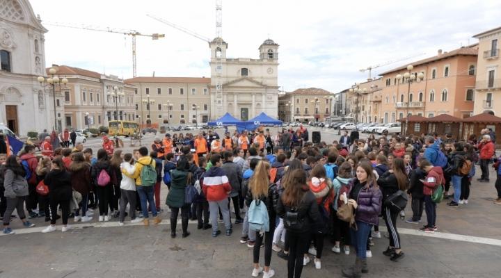 200 ragazzi riscoprono L'Aquila con l'orienteering digitale del CSI